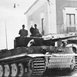 タイガー2Bundesarchiv_Bild_183-J14953,_Sizilien,_Panzer_VI_(Tiger_I)