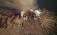 シベルチ火山3305px-Shiveluch_-_10_July_2007_-_iss015e16913